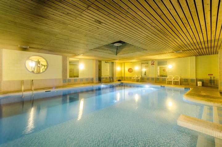 Communal Swimming Pool in NW6