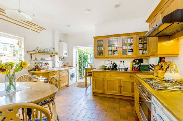 Kitchen in TW10