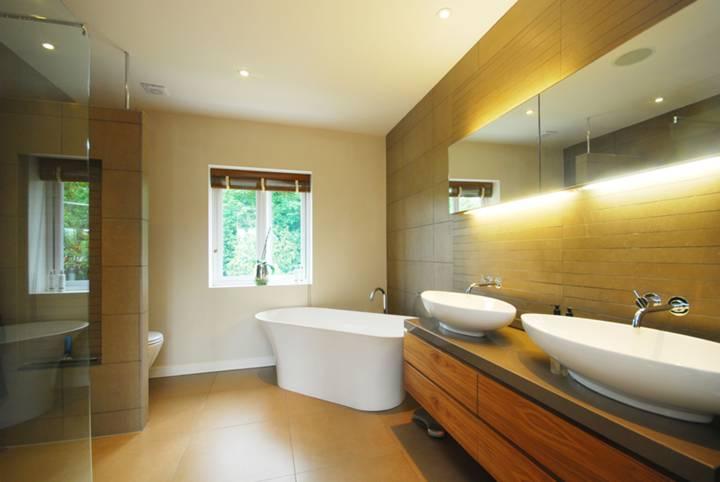 First En Suite Bathroom in NW7