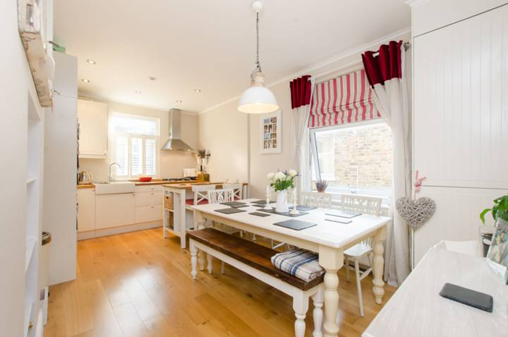 Kitchen in SW18