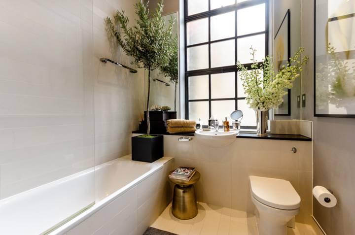 Bathroom in SE16