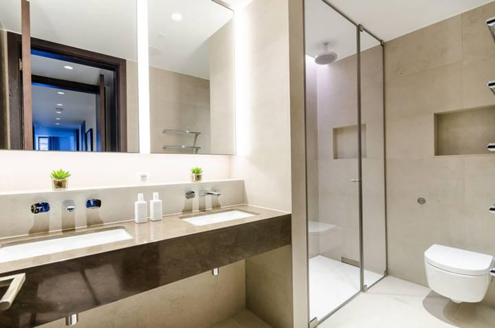 En Suite Shower Room in SW1E