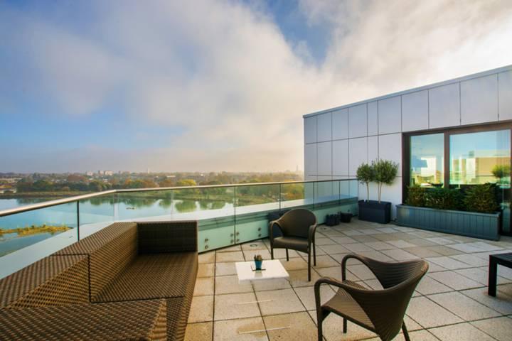 Terrace in N4