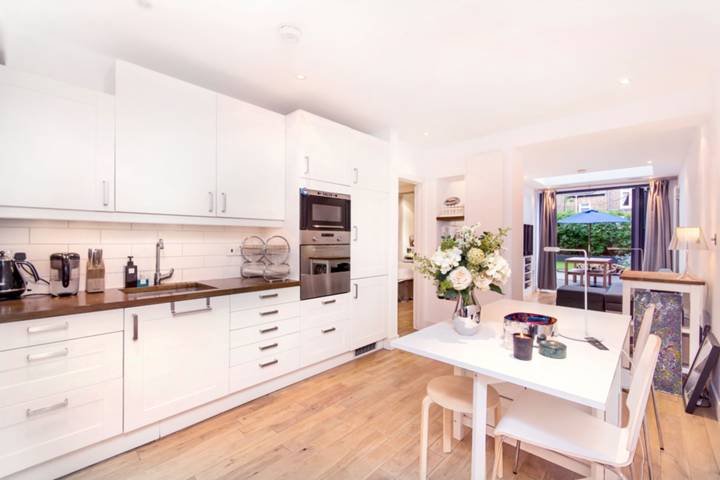 Open-Plan Kitchen in W12