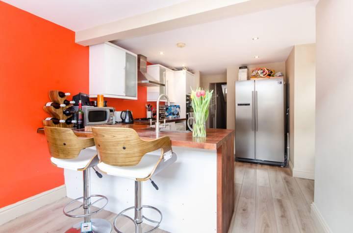 Kitchen/Breakfast Room in SW16