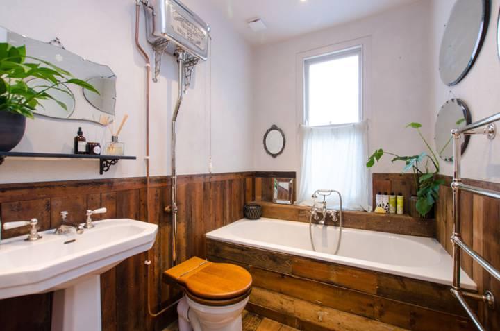 Bathroom in W3