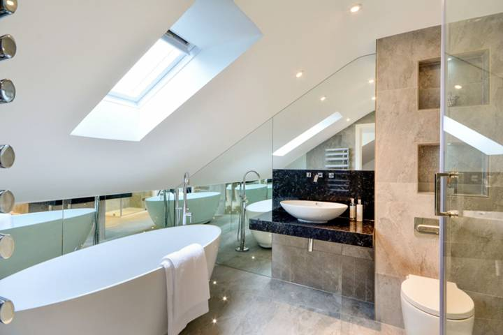En Suite Bathroom in W4