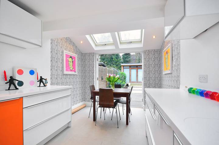 Kitchen/Dining Room in E9