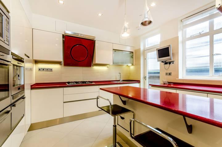 Kitchen in W2