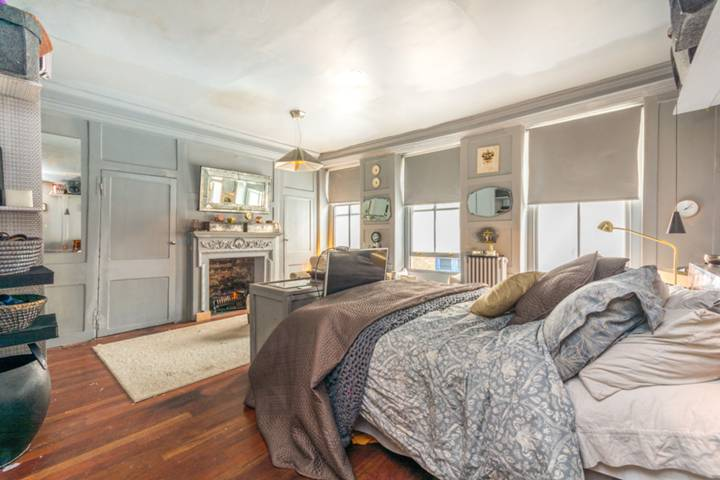 Master Bedroom in W1F
