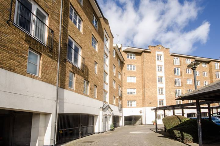 Bellamys Court, Rotherhithe