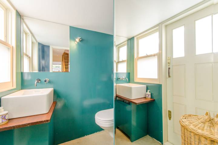 Guest Cloakroom in WC1X