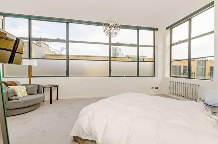 Master Bedroom in E1
