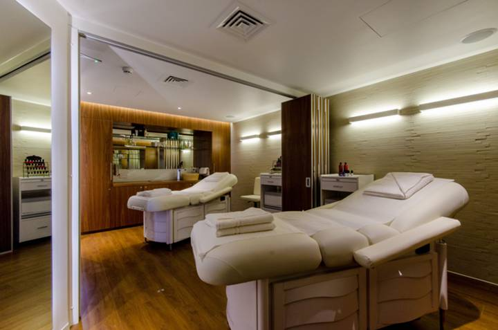 <b>Massage Room</b><span class='dims'></span>