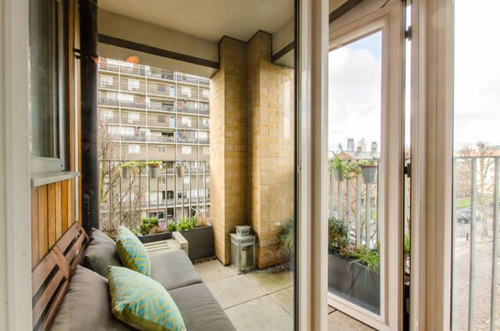 Balcony in E2