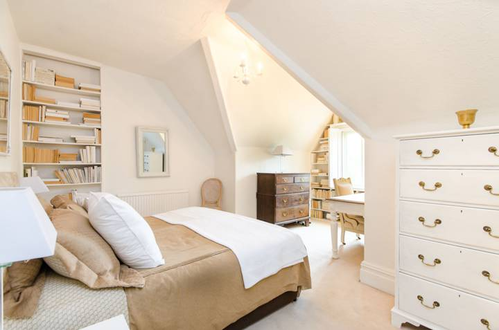Fourth Bedroom in SW13