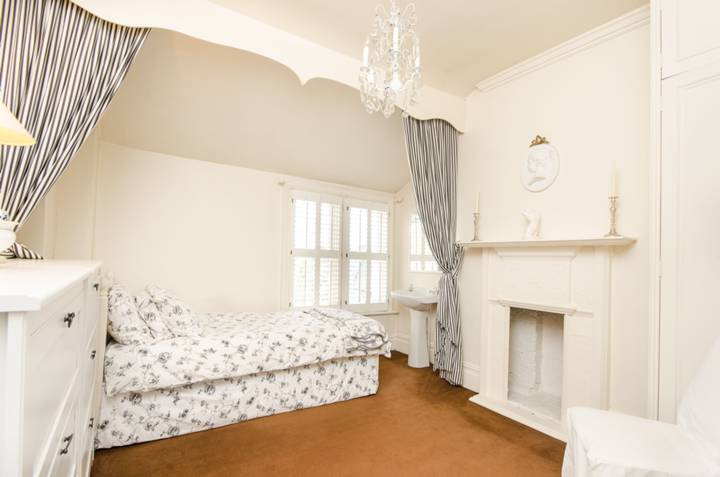 Fifth Bedroom in SW13