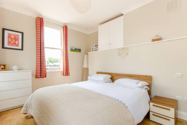 Master Bedroom in N1
