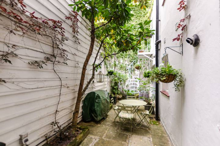 Patio in SW1V