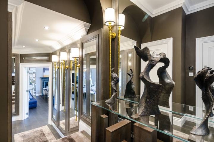Entrance Hall in SW1X
