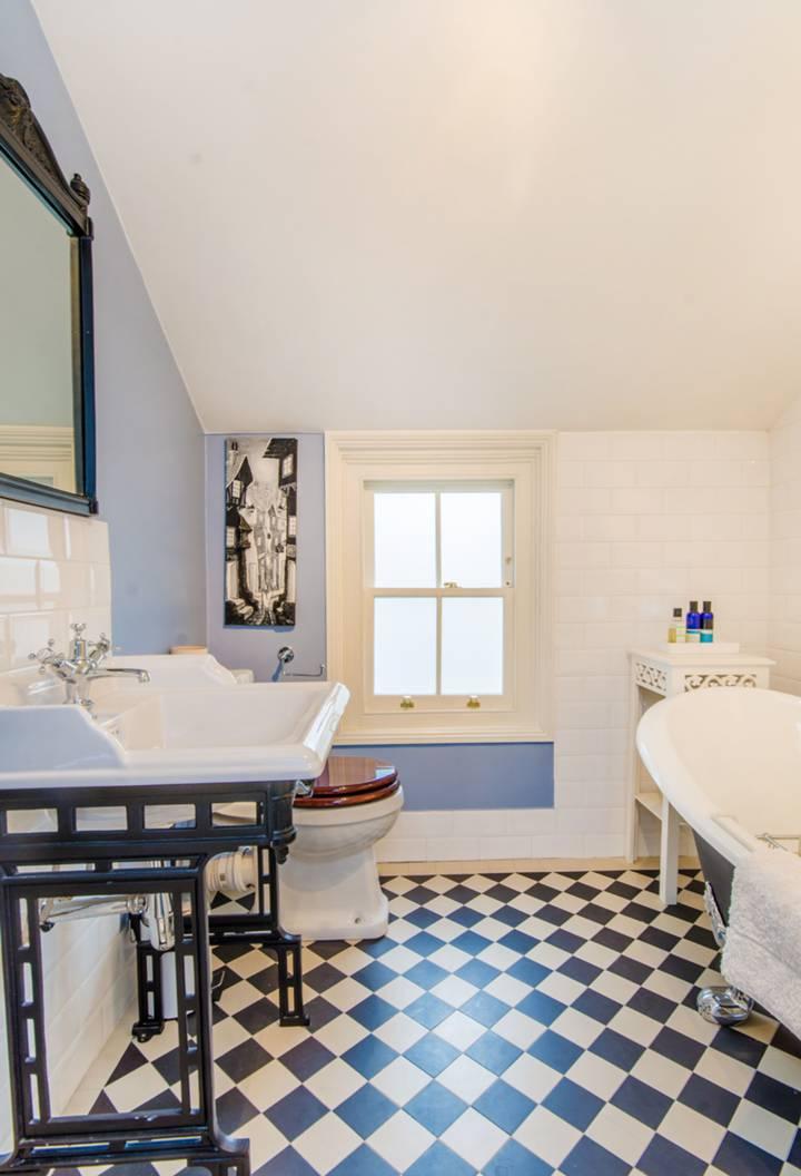 Bathroom in N5
