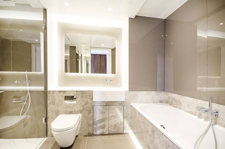 En Suite Shower Room in EC1V