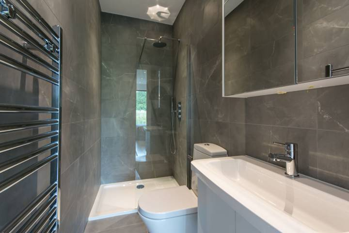 En Suite Shower Room in SE1