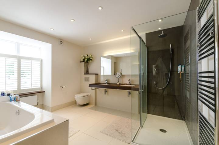 En Suite Bathroom in SW1X