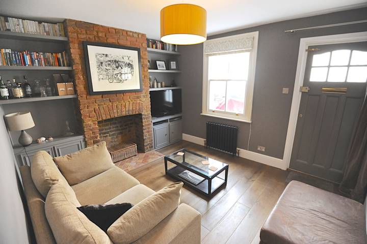Reception Room in TW1