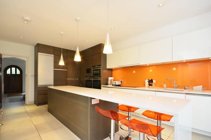 Open-Plan Kitchen in KT6