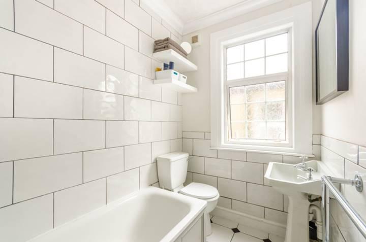 Bathroom in E11