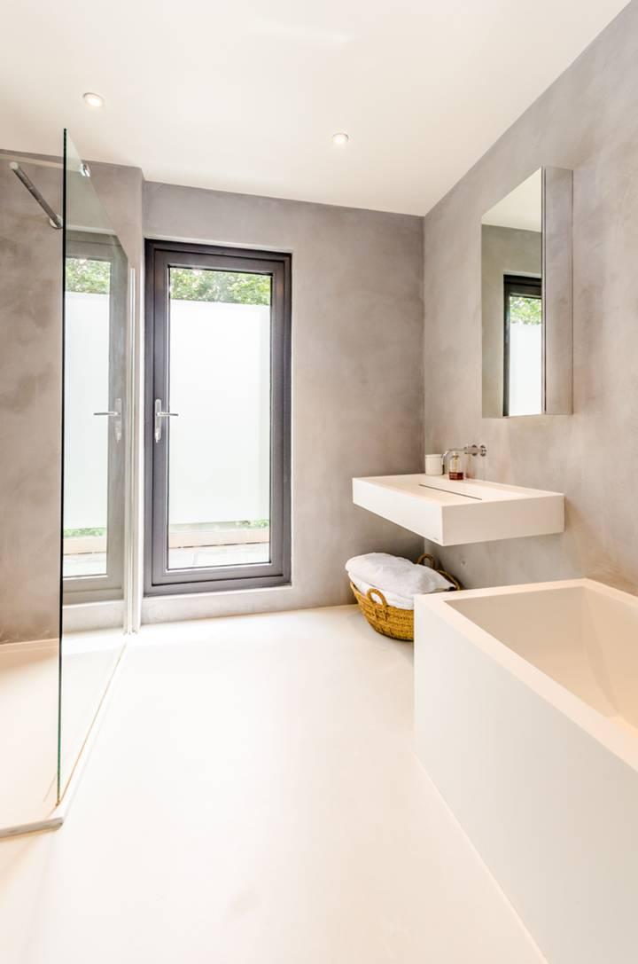 Bathroom in W6
