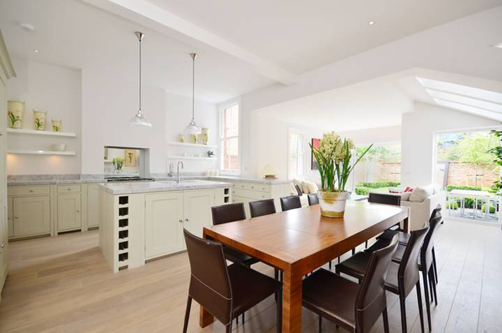 Kitchen/Dining Room in NW2