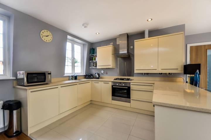 Kitchen in BR1