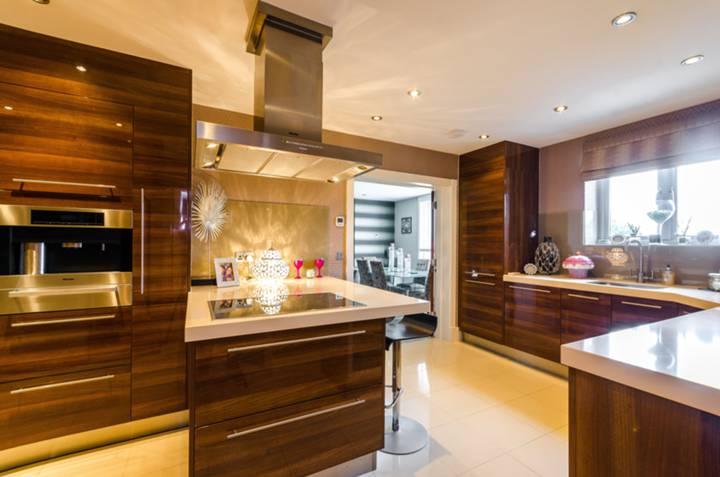 Kitchen in IG7