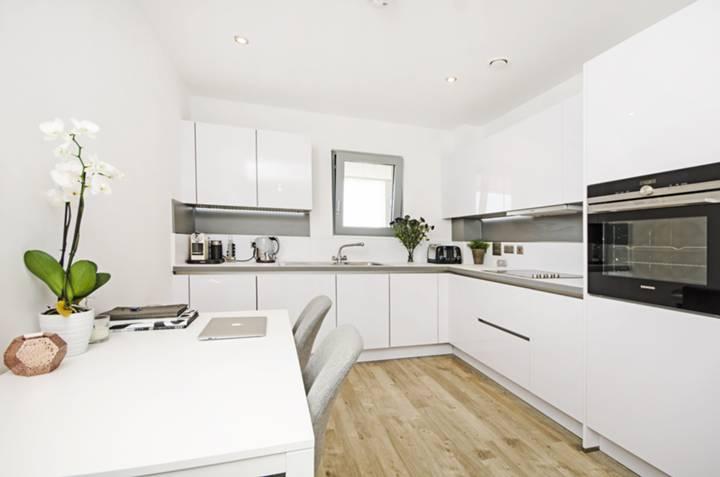 Kitchen in E8