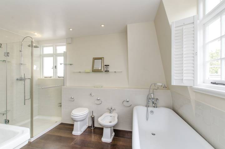 En Suite Bathroom in SW5