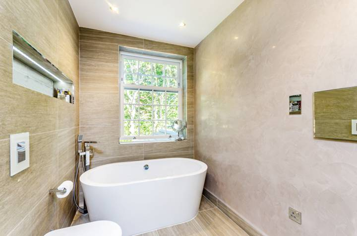 Bathroom in SW15