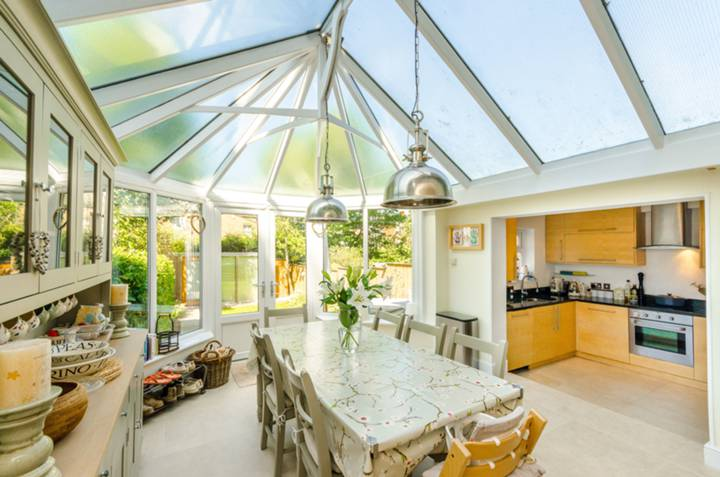 Conservatory in N10