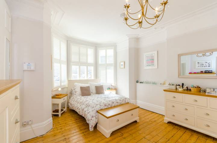 Master Bedroom in N10