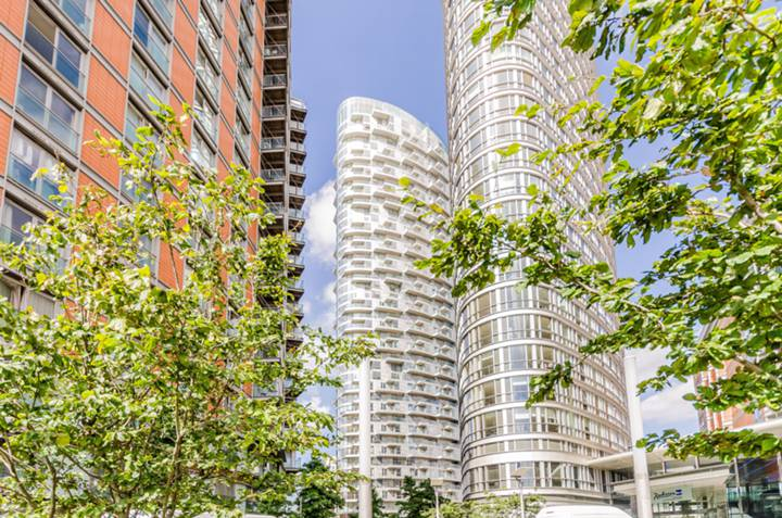 Biscanye Avenue, Canary Wharf
