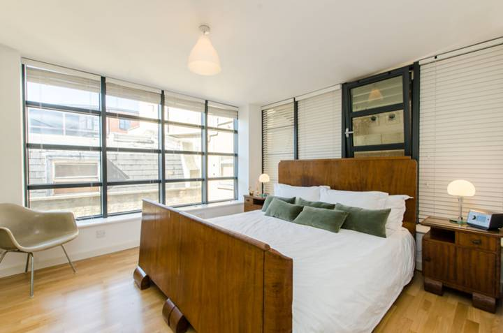 Master Bedroom in EC2A