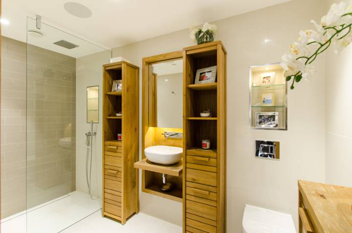 En Suite Shower Room in SW1P