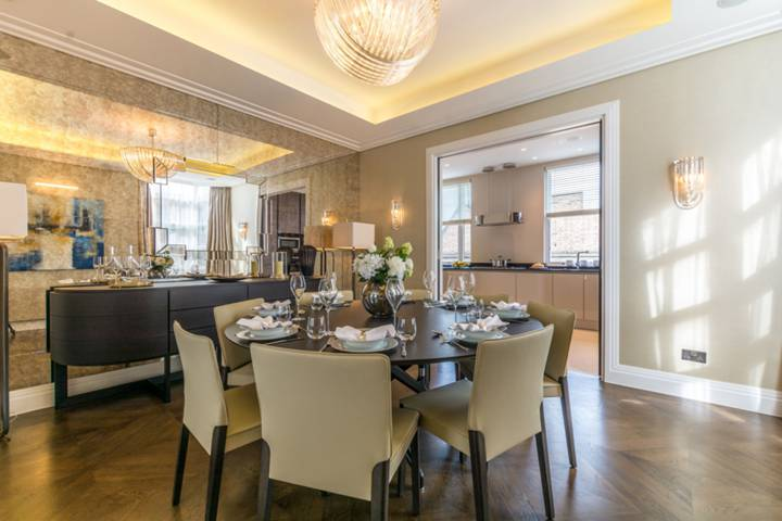 Dining Room in W2