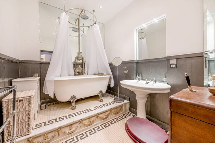 Bathroom in W14