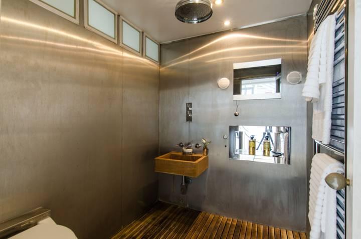 Wet Room in SW11