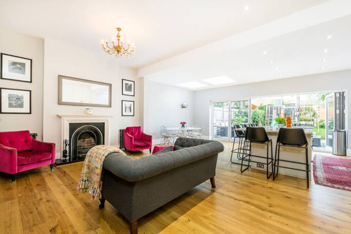 Dining Room in TW9