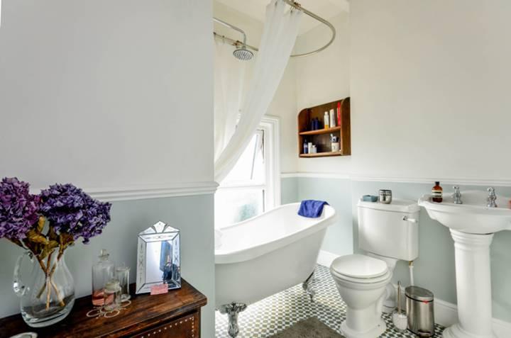 Bathroom in SE20