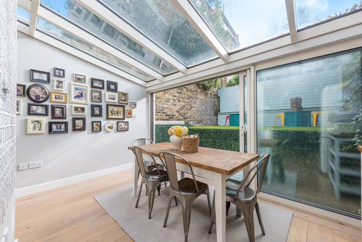 Conservatory in W4