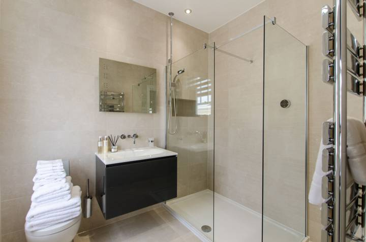 En Suite Shower Room in SW7